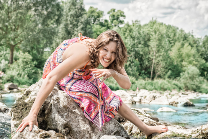 Outdoor Fotoshooting Frau Fluss